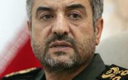 Ahmadinejad loses ground with Revolutionary Guards
