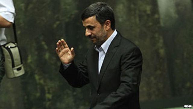 Khamenei Tries to Manage Ahmadinejad's Presence in Parliament